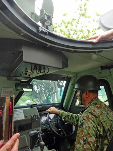 防災装甲車内部 DSC06969