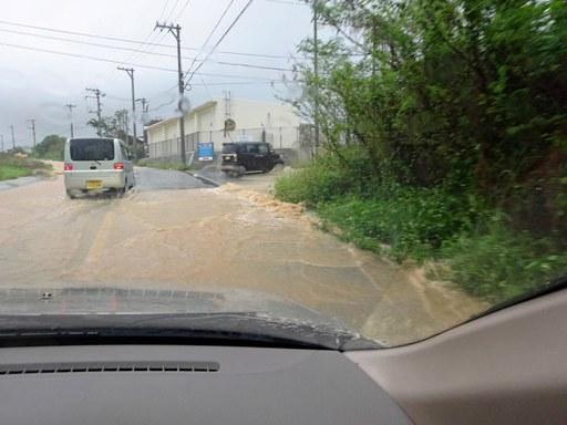 大雨通勤-d DSC07035