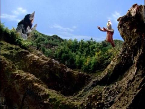 イカルス星人と対峙するウルトラセブン