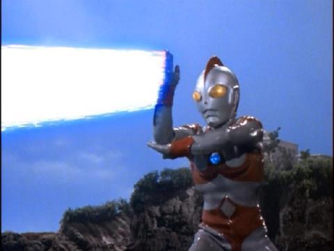 サクシウム光線もガゼラには効かなかった