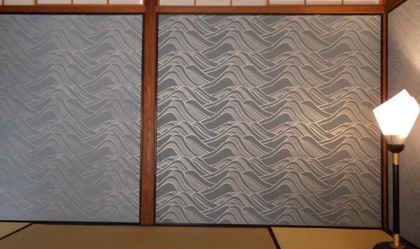 光琳の波の襖