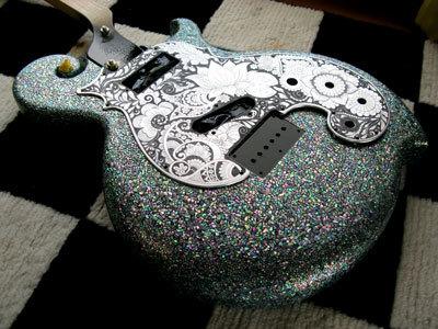 彫刻螺鈿ギター10