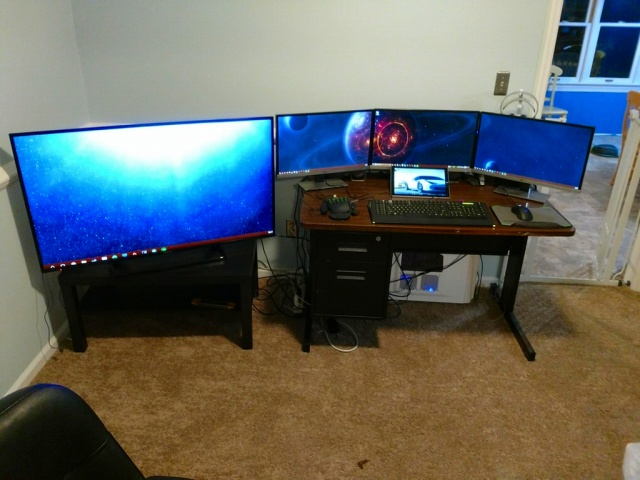 PC_Desk_MultiDisplay86_80.jpg
