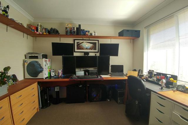 PC_Desk_MultiDisplay87_09.jpg