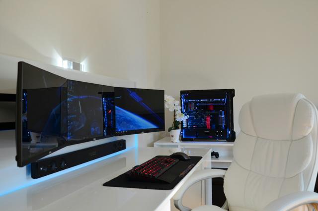 PC_Desk_MultiDisplay87_20.jpg