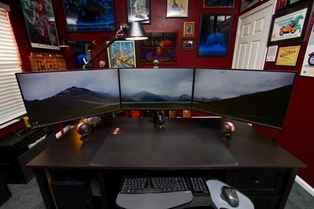 PC_Desk_MultiDisplay87_25.jpg