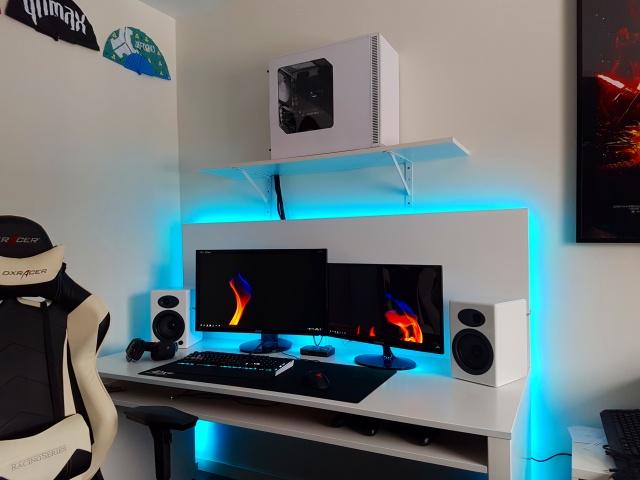 PC_Desk_MultiDisplay87_38.jpg