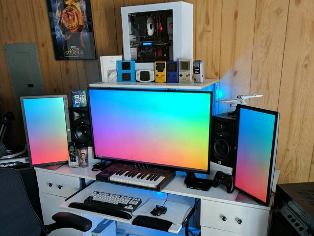 PC_Desk_MultiDisplay87_52.jpg