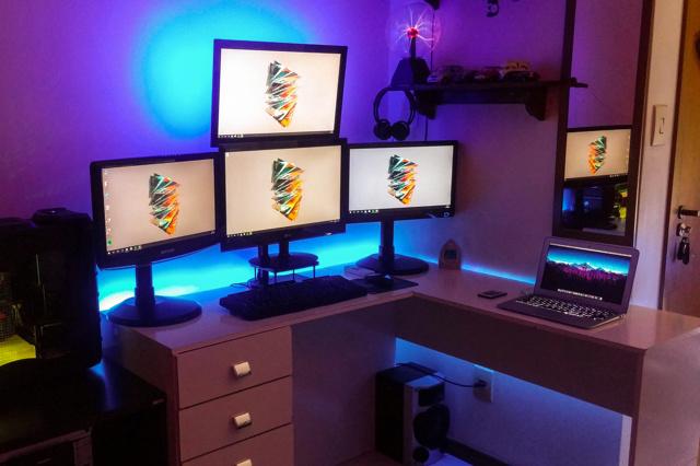 PC_Desk_MultiDisplay88_08.jpg