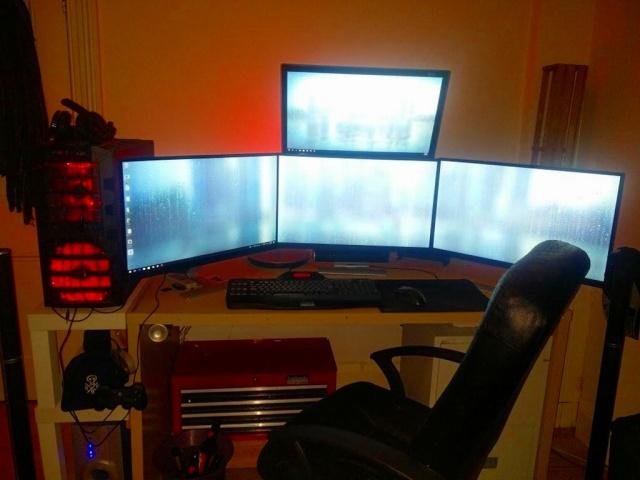PC_Desk_MultiDisplay88_15.jpg