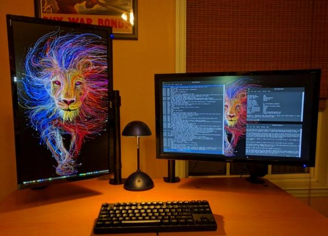 PC_Desk_MultiDisplay88_52.jpg