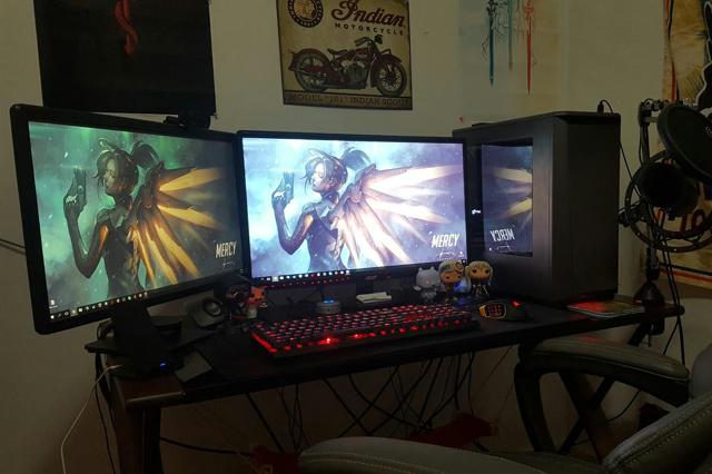 PC_Desk_MultiDisplay88_81.jpg
