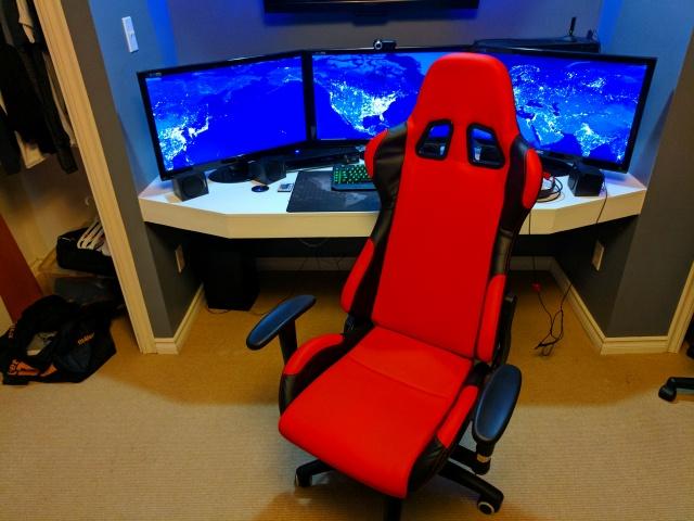 PC_Desk_MultiDisplay88_93.jpg
