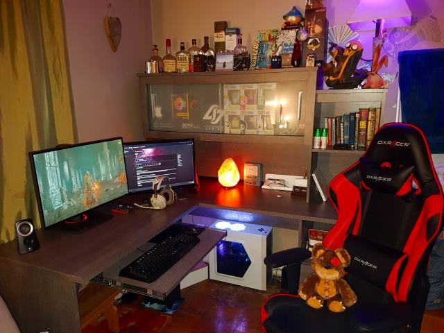 PC_Desk_MultiDisplay88_99.jpg