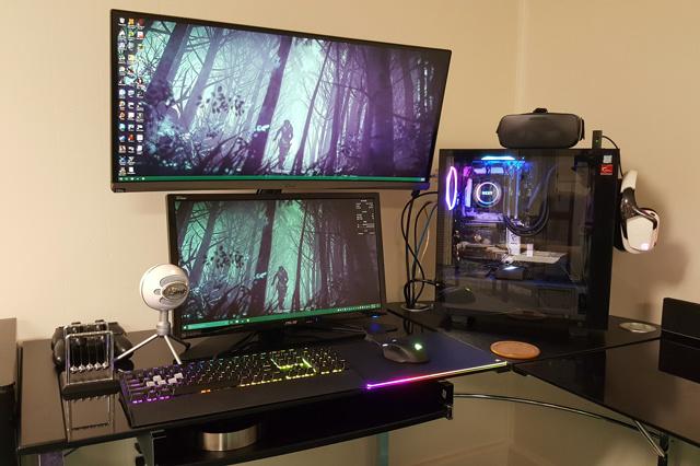 PC_Desk_UltlaWideMonitor18_23.jpg