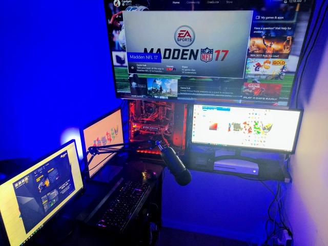 PC_Desk_UltlaWideMonitor18_30.jpg