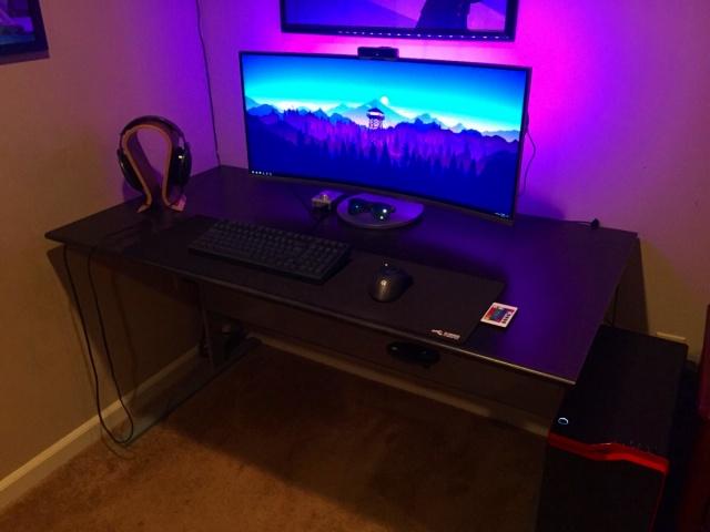 PC_Desk_UltlaWideMonitor18_51.jpg
