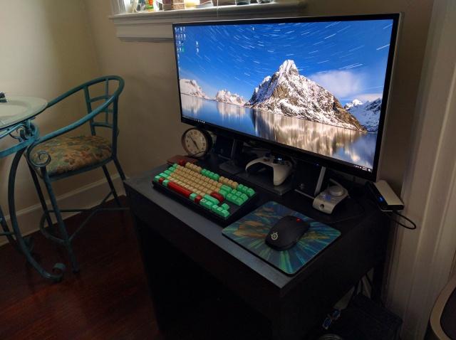 PC_Desk_UltlaWideMonitor18_57.jpg