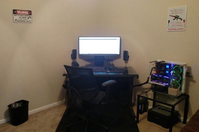 PC_Desk_UltlaWideMonitor18_88.jpg