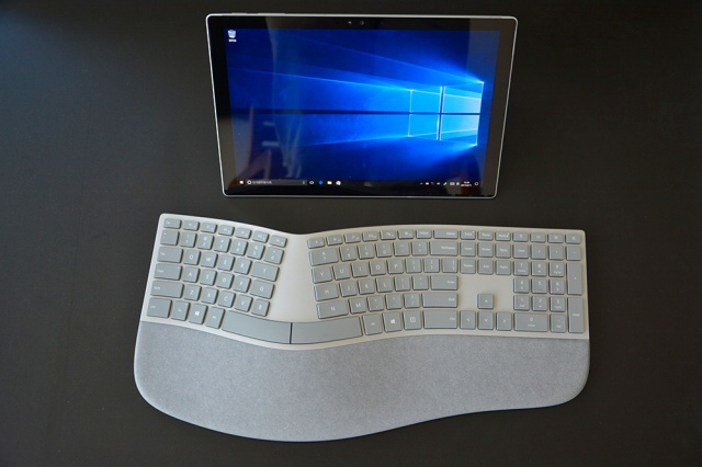 Surface_Ergonomic_Keyboard_09.jpg