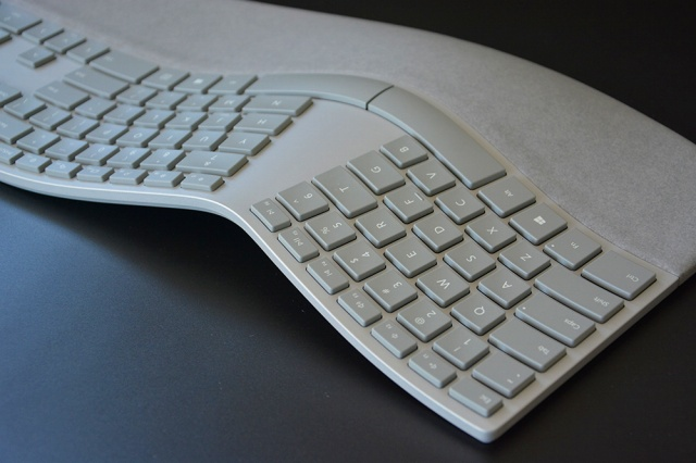 Surface_Ergonomic_Keyboard_14.jpg