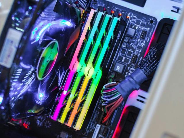 Trident_Z_RGB_06.jpg
