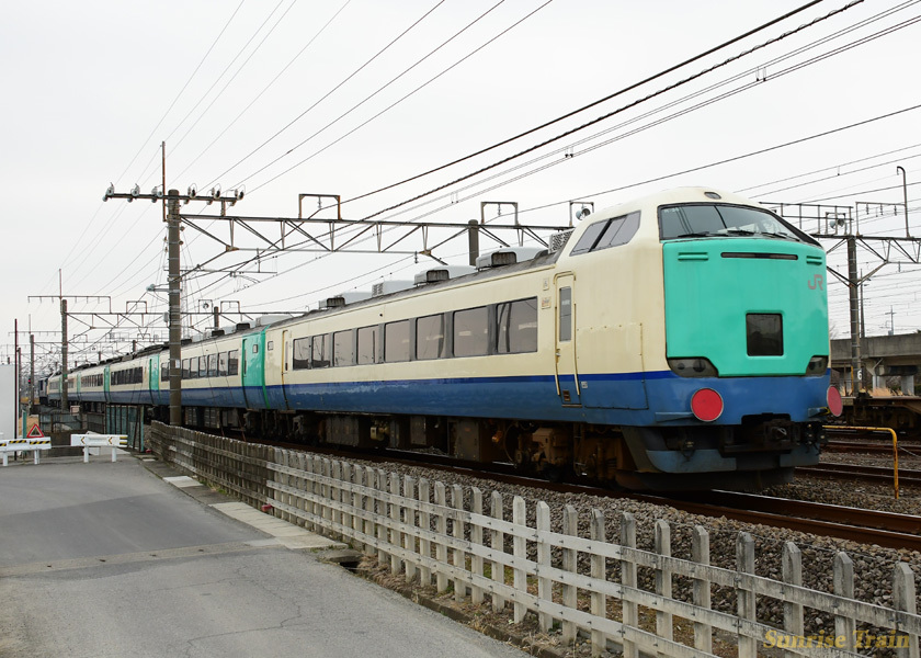 YEF641032+485系R26編成