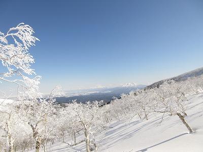 藻琴山キャンプ場から登り(斜里岳遠景)