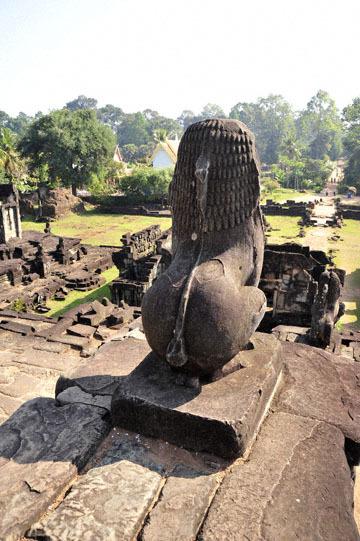 blog 233 Cambodia, Siam Reap, Roluos Group (Lolei, Preah Ko, Bakong) Bakong_DSC0035-12.4.13.(2).jpg