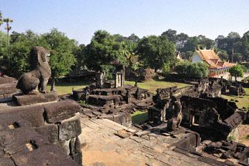 blog 233 Cambodia, Siam Reap, Roluos Group (Lolei, Preah Ko, Bakong) Bakong_DSC0040-12.4.13.(2).jpg