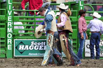 blog (6x4@300) Yoko 118 Livermore Rodeo, Bareback Bronco 6, Zack Brown (? Red Bluff, CA) 2_DSC7041-6.11.16.(3).jpg
