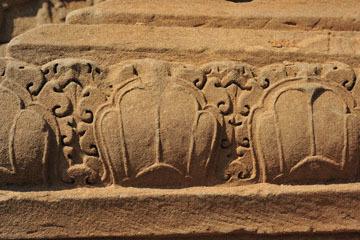 blog 233 Cambodia, Siam Reap, Roluos Group (Lolei, Preah Ko, Bakong) Bakong_DSC0068-12.4.13.(2).jpg
