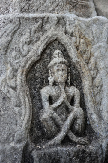blog 233 Cambodia, Siam Reap, Roluos Group (Lolei, Preah Ko, Bakong) Bakong, in prayer_DSC0084-12.4.13.(2).jpg