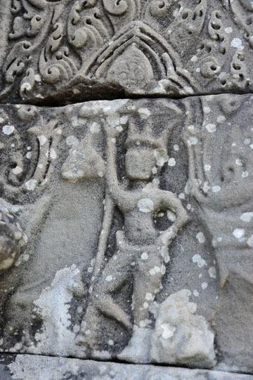 blog 233 Cambodia, Siam Reap, Roluos Group (Lolei, Preah Ko, Bakong) Bakong, Devata_DSC0089-12.4.13.(2).jpg