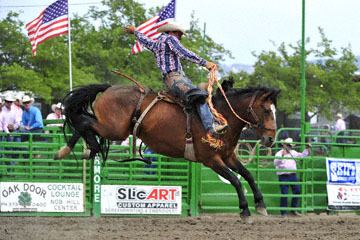 blog (6x4@300) Yoko 119 Livermore Rodeo, Saddle Bronco 4, David Wade Moody (77 Visalia, CA) 2_DSC7274-6.11.16.(4).jpg