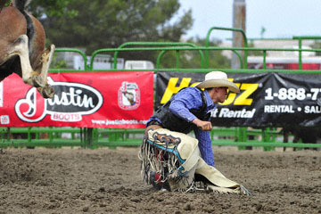 blog (6x4@300) Yoko 119 Livermore Rodeo, Saddle Bronco 3, Mason Mardesich (NS ?, Fowler, CO) 2_DSC7256-6.11.16.(4).jpg