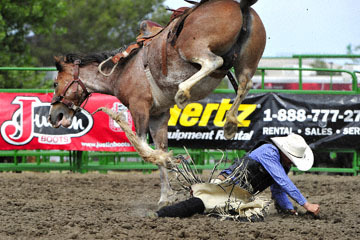blog (6x4@300) Yoko 119 Livermore Rodeo, Saddle Bronco 3, Mason Mardesich (NS ?, Fowler, CO) 2_DSC7254-6.11.16.(4).jpg