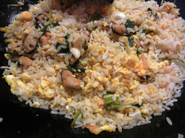 blog Brunch, Fried RIce with Mussels_DSCN2383-3.24.16.jpg