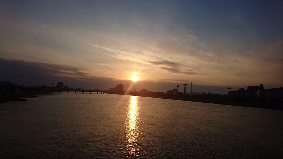 【夕陽を眺めながら】