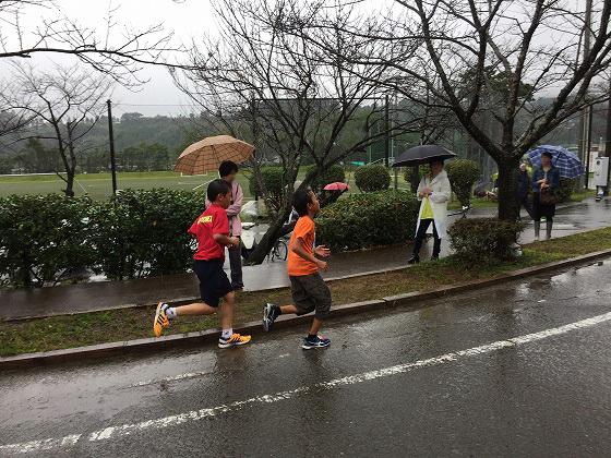 20161023綾・照葉樹林マラソン(8)競り合い