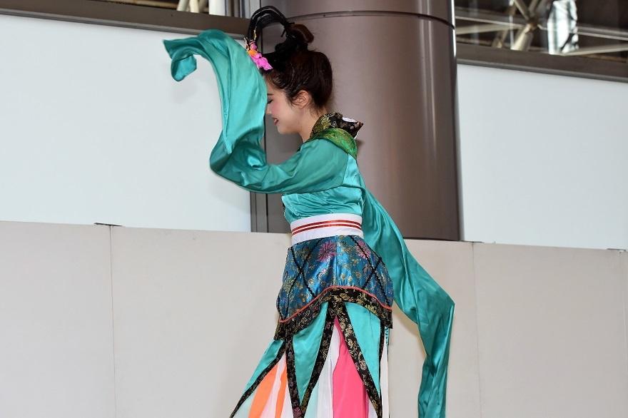 神戸国際中国踊り#1 (2)