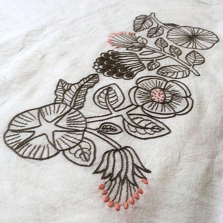 刺繍ブラウス2