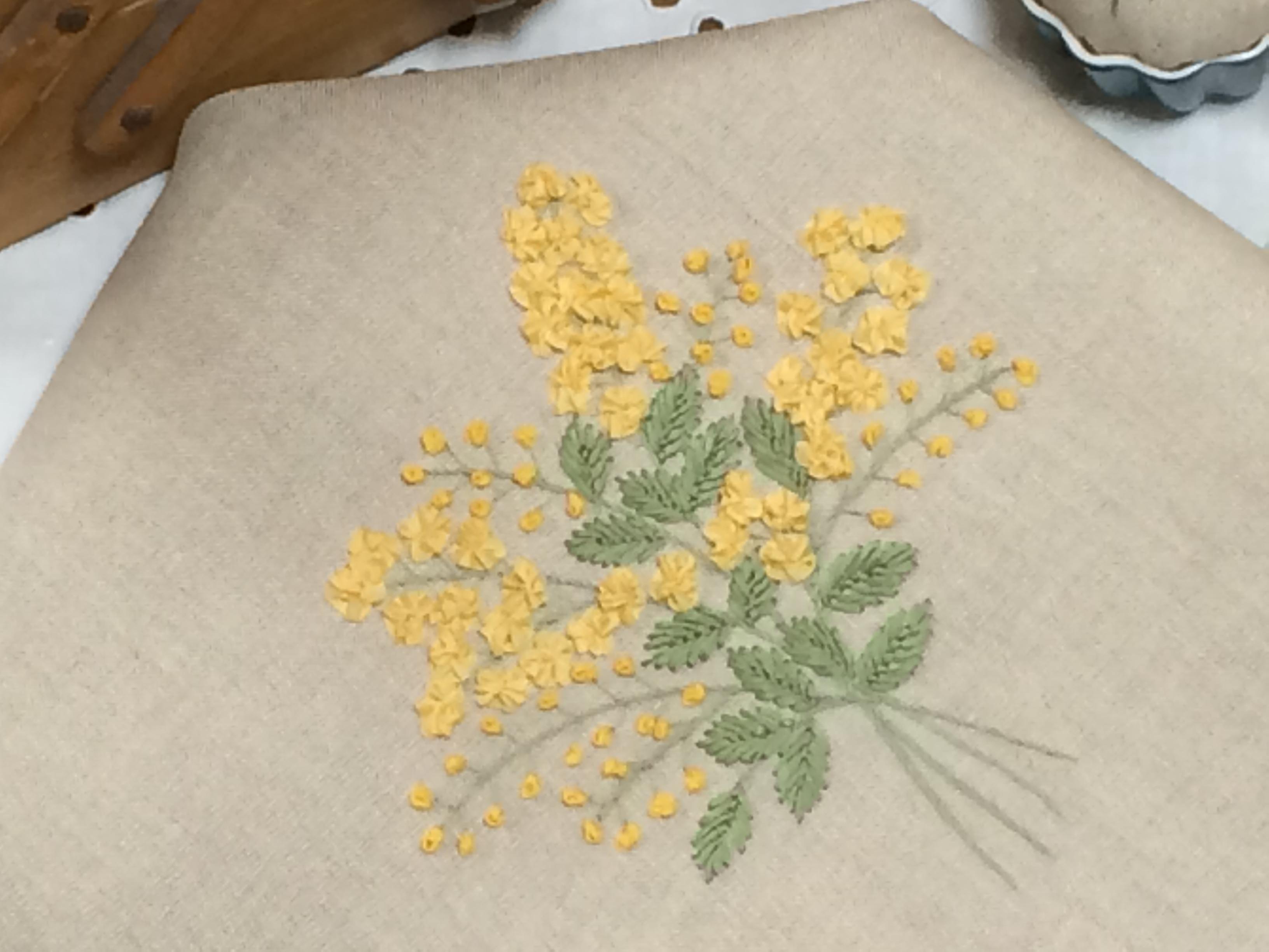 ミモザのリボン刺繍