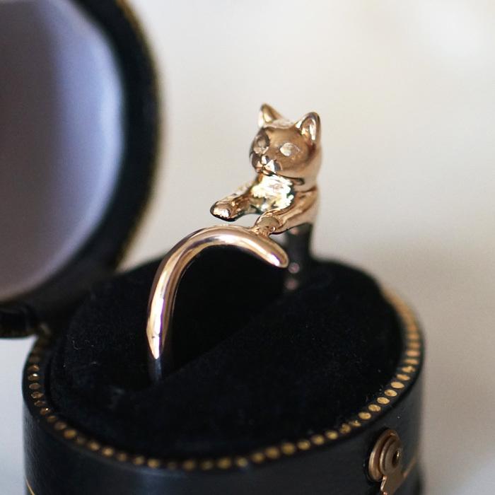 金の猫リングここだけの話