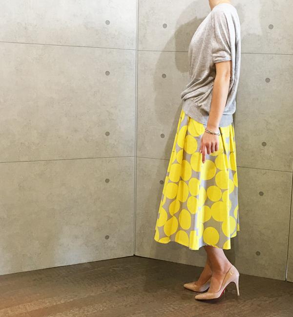 アヴァンルタンのドットプリントのスカート