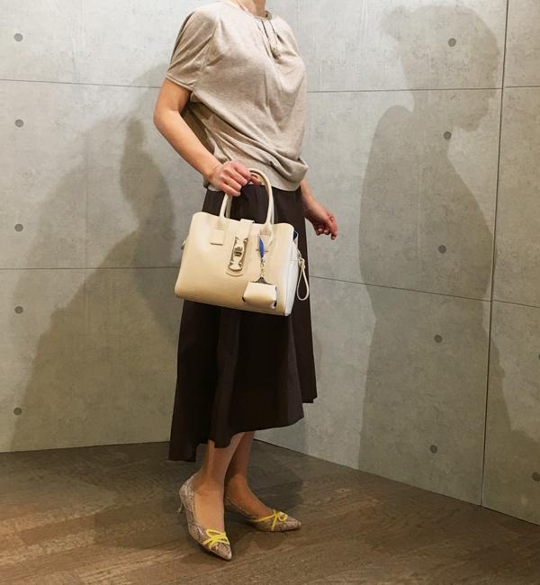 パシオーネのイレギュラーヘムのロングスカート