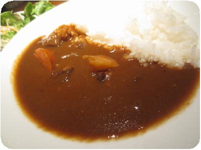 道産牛カレー(ランチサラダ付)