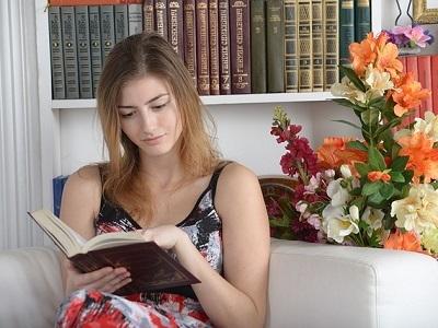 reading-woman-01.jpg