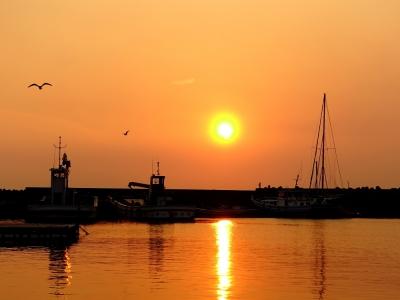 保田漁港の夕日