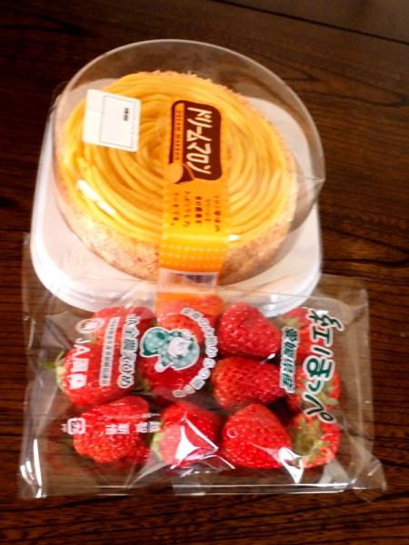 ケーキとイチゴ